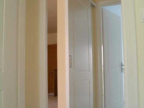 belye-dveri-13