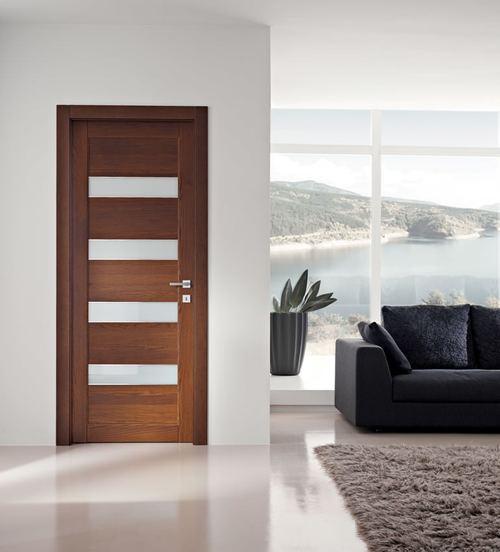 Итальянская дверь из дерева