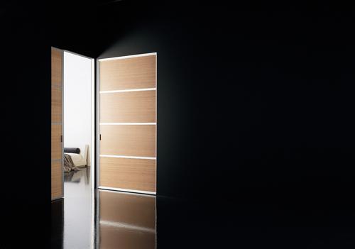 svetlye-mezhkomnatnye-dveri-06