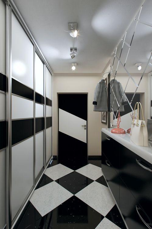 Черно-белые двери