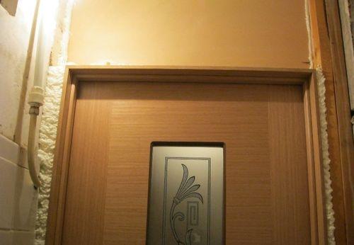 Проем над дверью