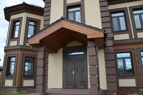 Варианты двойных входных дверей для дома